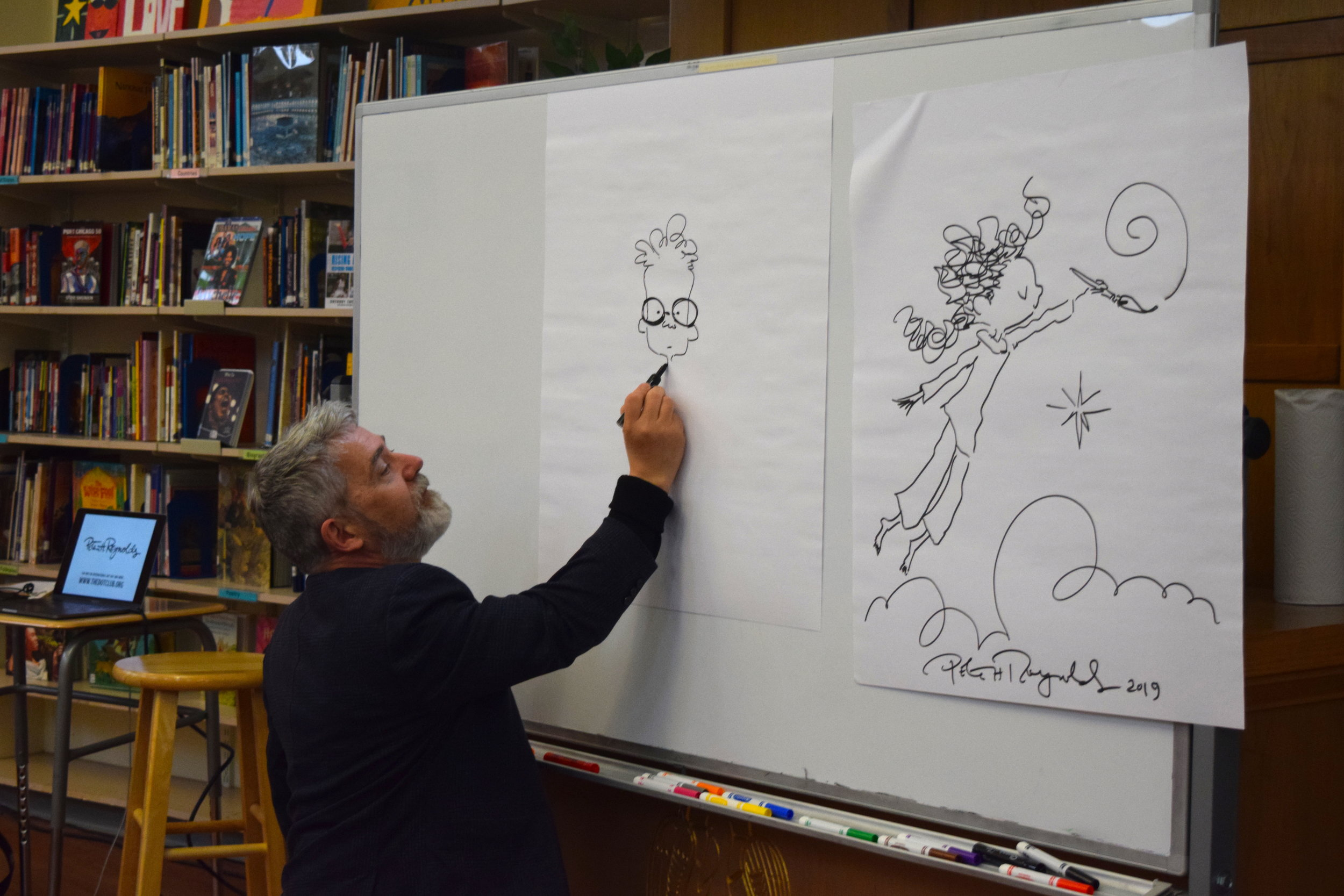 Peter Reynolds showing the kids how he lets his imagination take the lead