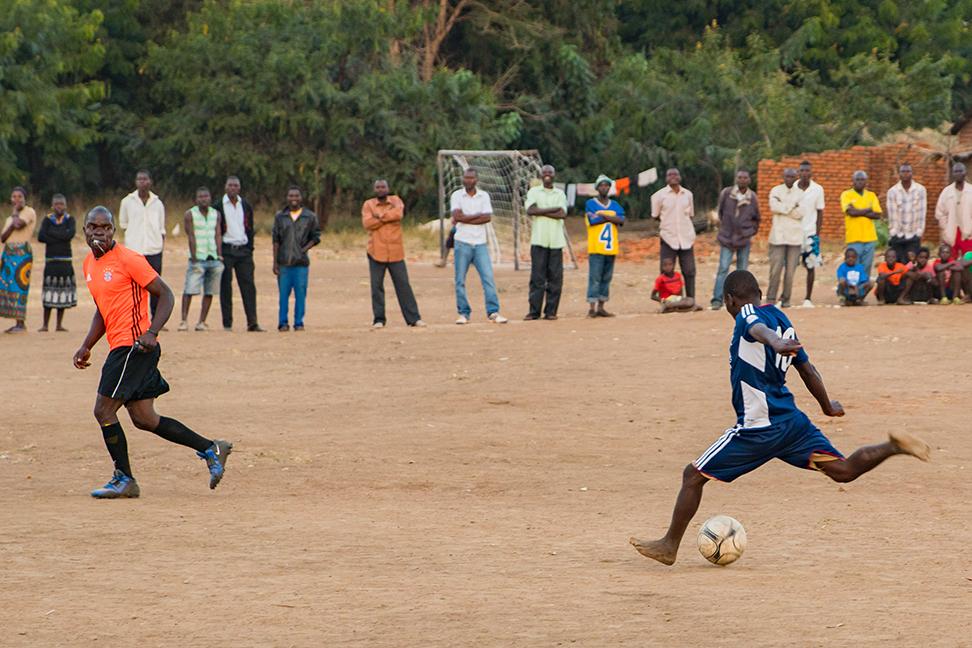 MG-malawi-summer2017-InVillage-SoccerDay-31_s.jpg