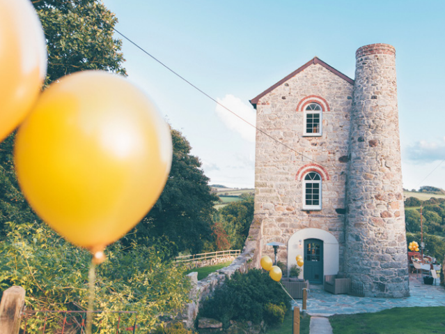 A Unique Celebration - Article written for Manor Magazine November 2016Unique Home Stays celebrated 15 years of providing exclusive, luxury accommodation to discerning travellers from the UK and beyond.