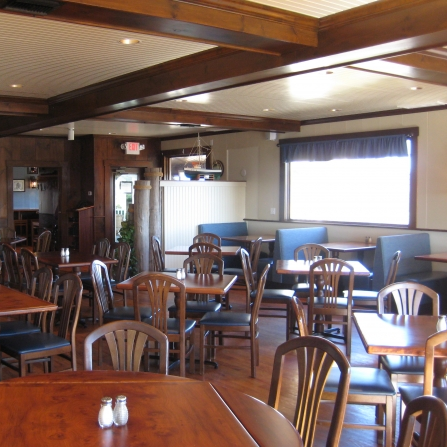 THE MYSTIC BOATHOUSE - 8 Coogan Boulevard, Mystic, CT(860) 572-1180kaitlin@themysticboathouse.com