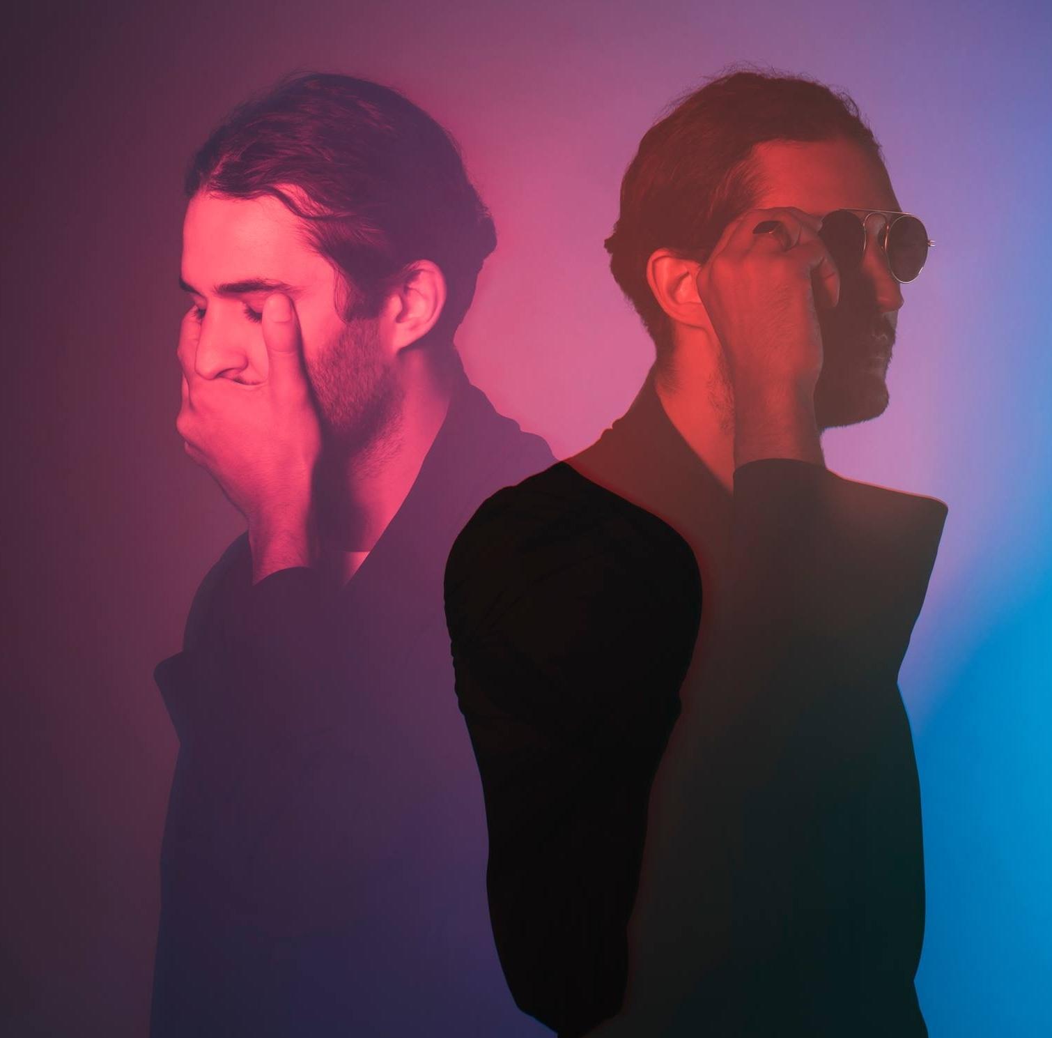 JAZIR   Jazir est un jeune artiste originaire de Paris, dont les productions oscillent entre RnB et électro, teintées de future beats Il incarne cette nouvelle génération de producteur toujours en quête de découverte. Après son 1er EP «Endless Night » sorti en février 2017, Jazir revient prochainement avec un second opus intitulé «Kvalkade ».