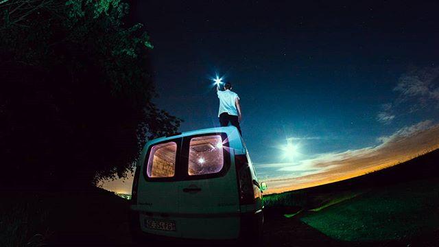 Back home 🌌🌙 #nightscape #landscape #vanlife #sweethillsofmine #home