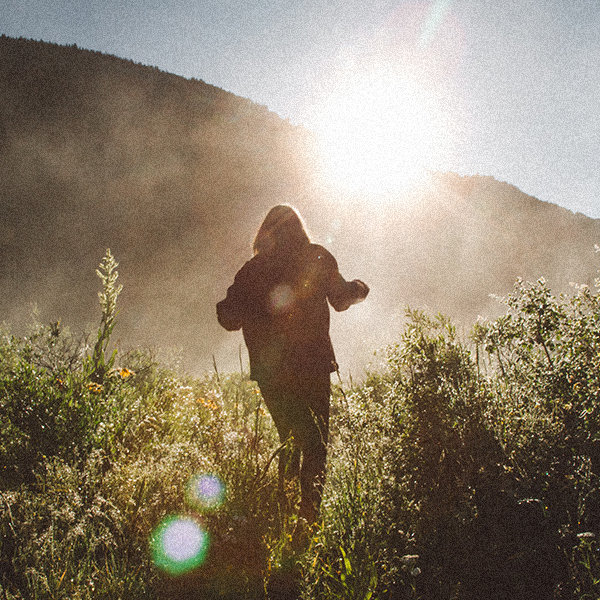 AboutUs_600x600_hike.jpg