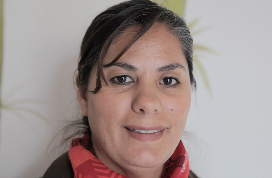 Hilda OrtegaI / Mexico   Hilda Ortega is native to Cd. Juárez. She supports her local community Colony Praderas de Oriente, through participation in the cultural support center  La Promesa .  Hilda has a great interest in sewing and garment making and is on NI EN MORE's sewing team.  * Image by Laura Bustillos