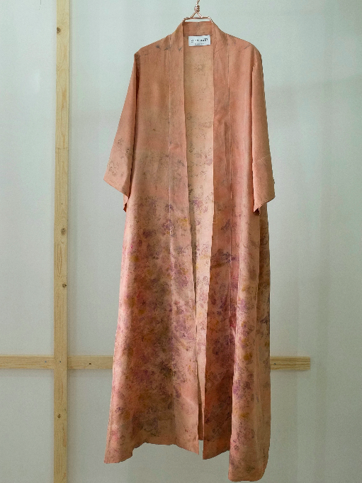 SILK ROBE · No  . 17 OF 33  ·   SIZE LARGE