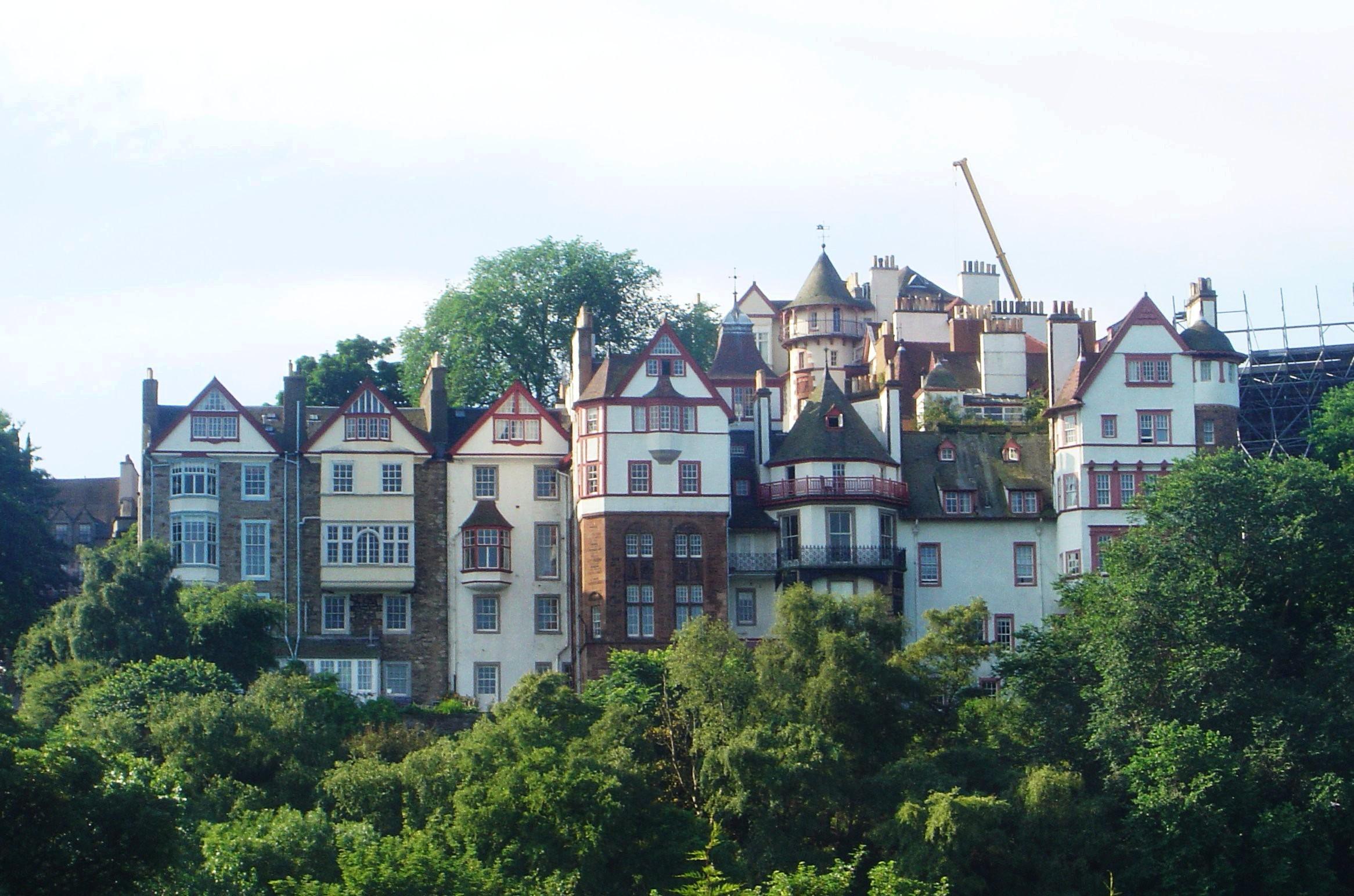 EDINBURGH'S OLD TOWN (PHOTO:  David Monniaux