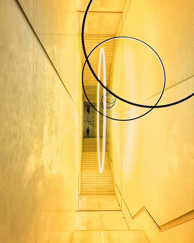 Repost @markatthemuseum  We love the use of space and light in Olafur Eliasson's installation 'Gravity Stairs' from Seoul's Leeum Museum collection! Olafur has been developing various experiments with atmospheric density in exhibition spaces, where the viewers find themselves in rooms filled with light that affects the perception of all other colours. The unique piece at Leeum Museum is based on our solar system!  #Niio #Niioart #Letartin #ArtForADigitalAge #OlafurEliasson #LeeumMuseum