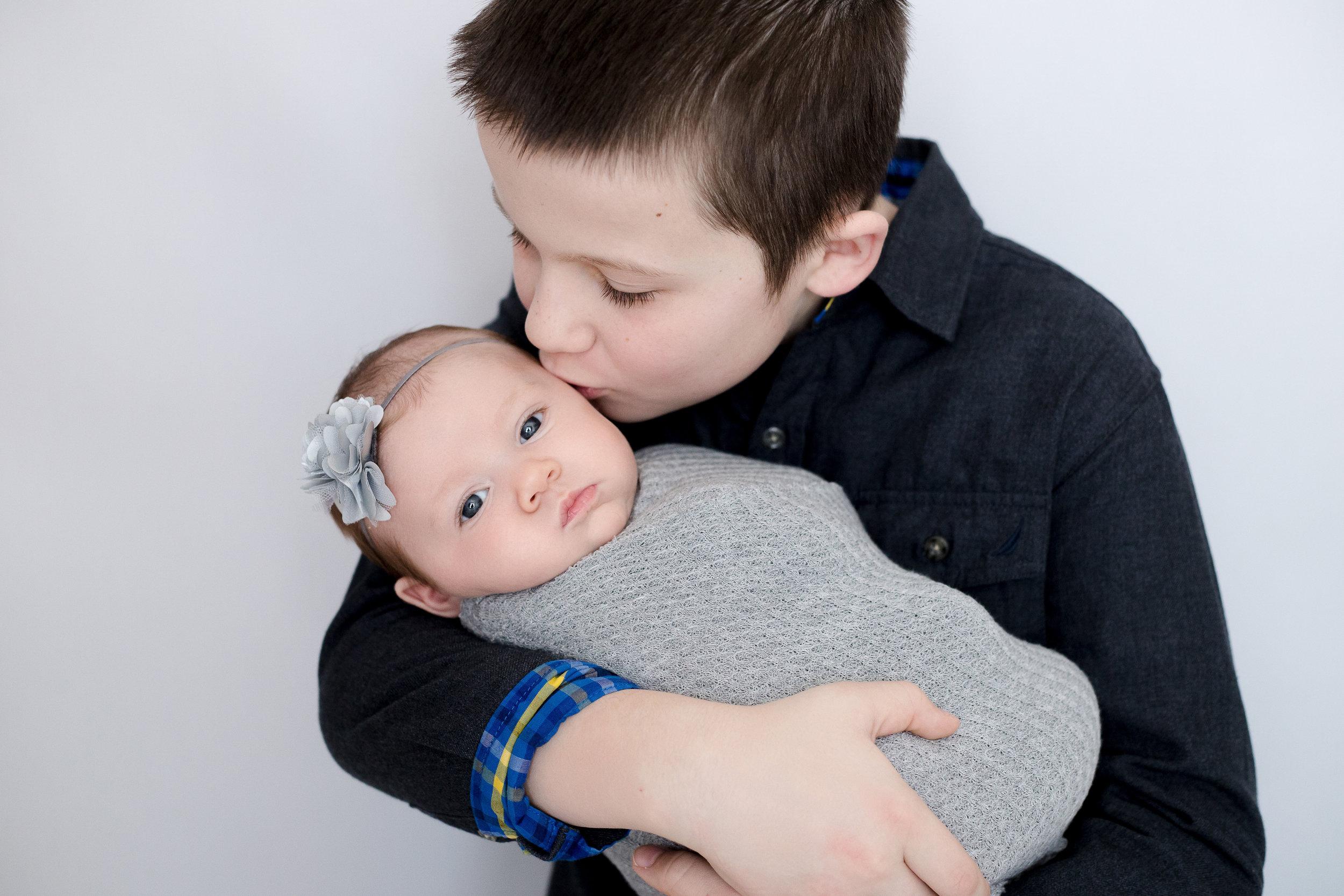 Cedar Rapids Iowa newborn baby girl.jpg