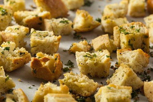 Mama_Lama_Salat mit Croutons.jpg