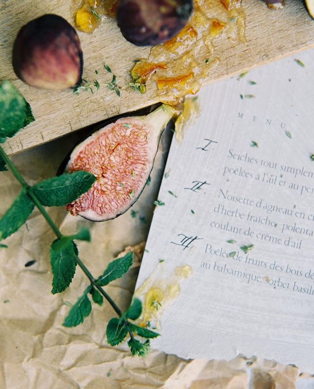 So much texture! Photography by @katiegrantphoto styled by @jannabrowndesign at @domainelesmartins in Provence . . . . . #flourishforum #handlettering #pointedpen #moderncalligraphy #moderncalligrapher #handsthatmake #ligaturecollective #thenativecreative #dailydoseofpaper #creativityfound #makersmovement #wearethemakers #craftsposure #capturemycraft #calledtobecreative #fortheloveofpaper #weddingpaper #prettycreativestyle #onmydesk #pursuepretty #fromabove #makemailmainstream #reclaimthehappy #makersmovement #stationerylove #creativefolk #theslowdowncollective #seekthesimplicity