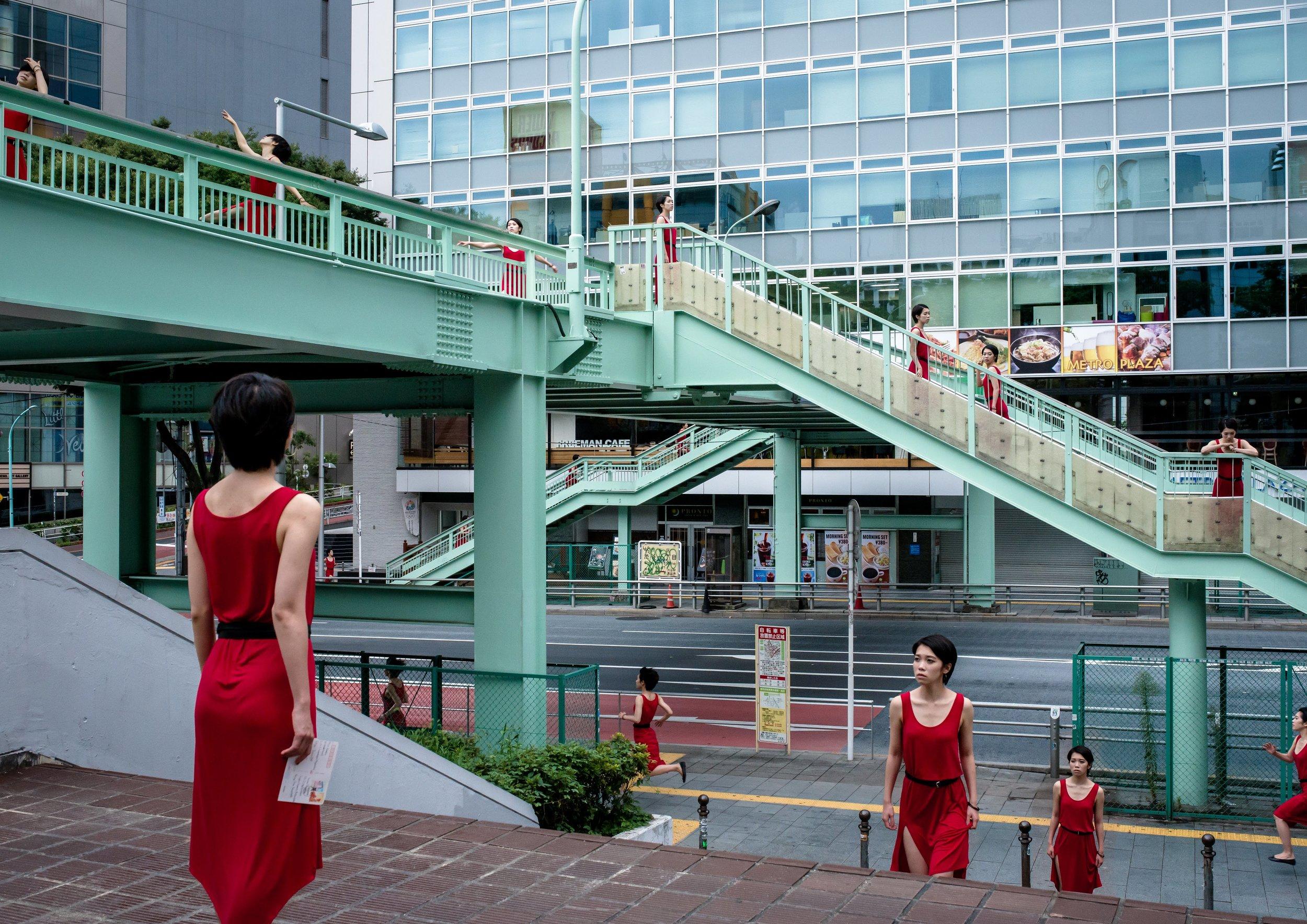 ©  Daisuke Takakura;  Monodramatic / Urban Dance, 2014, Digital C-type print, 42 x 59.4 cm Ed. 10