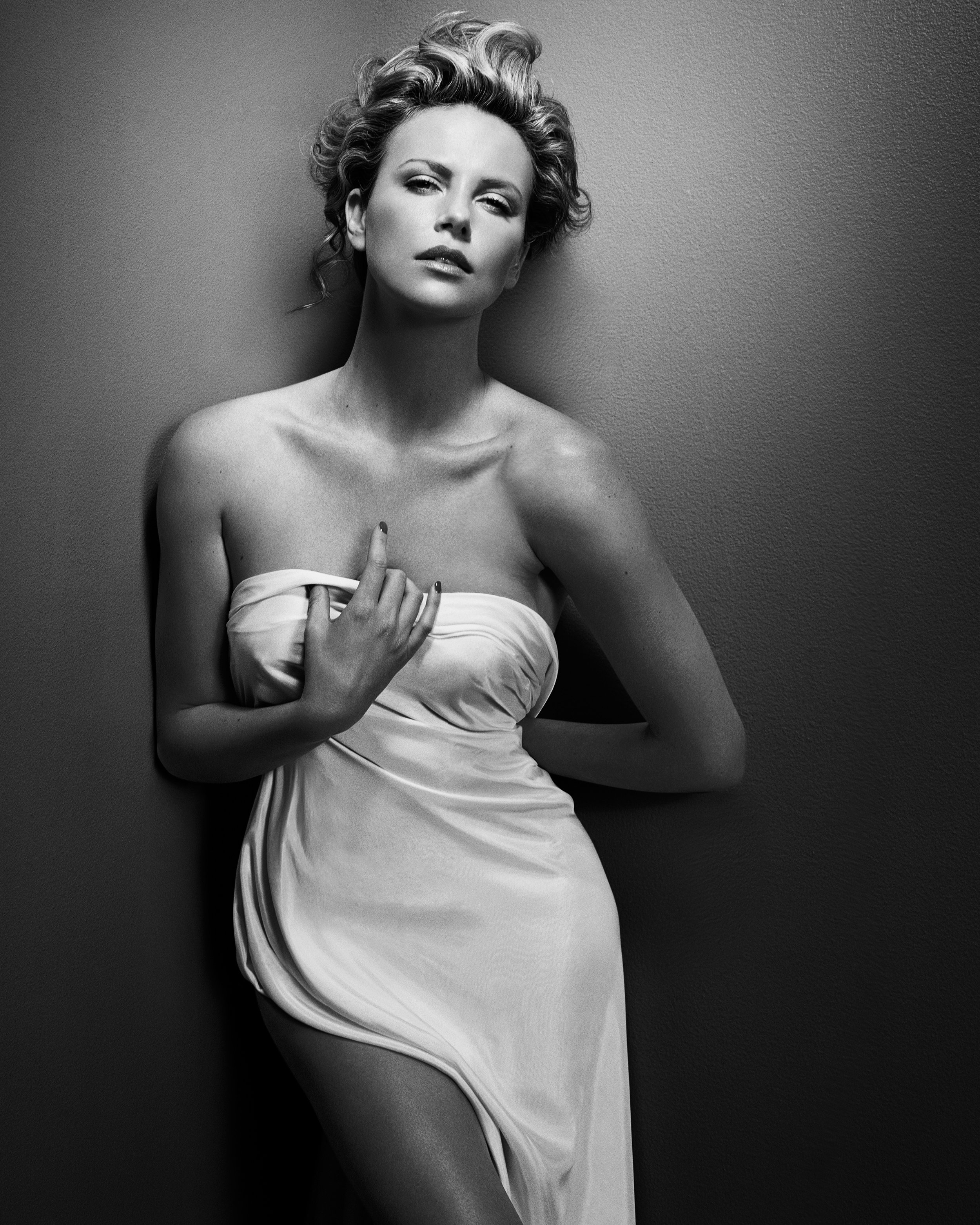 Charlize Theron, © Vincent Peters / Courtesy of CAMERA WORK