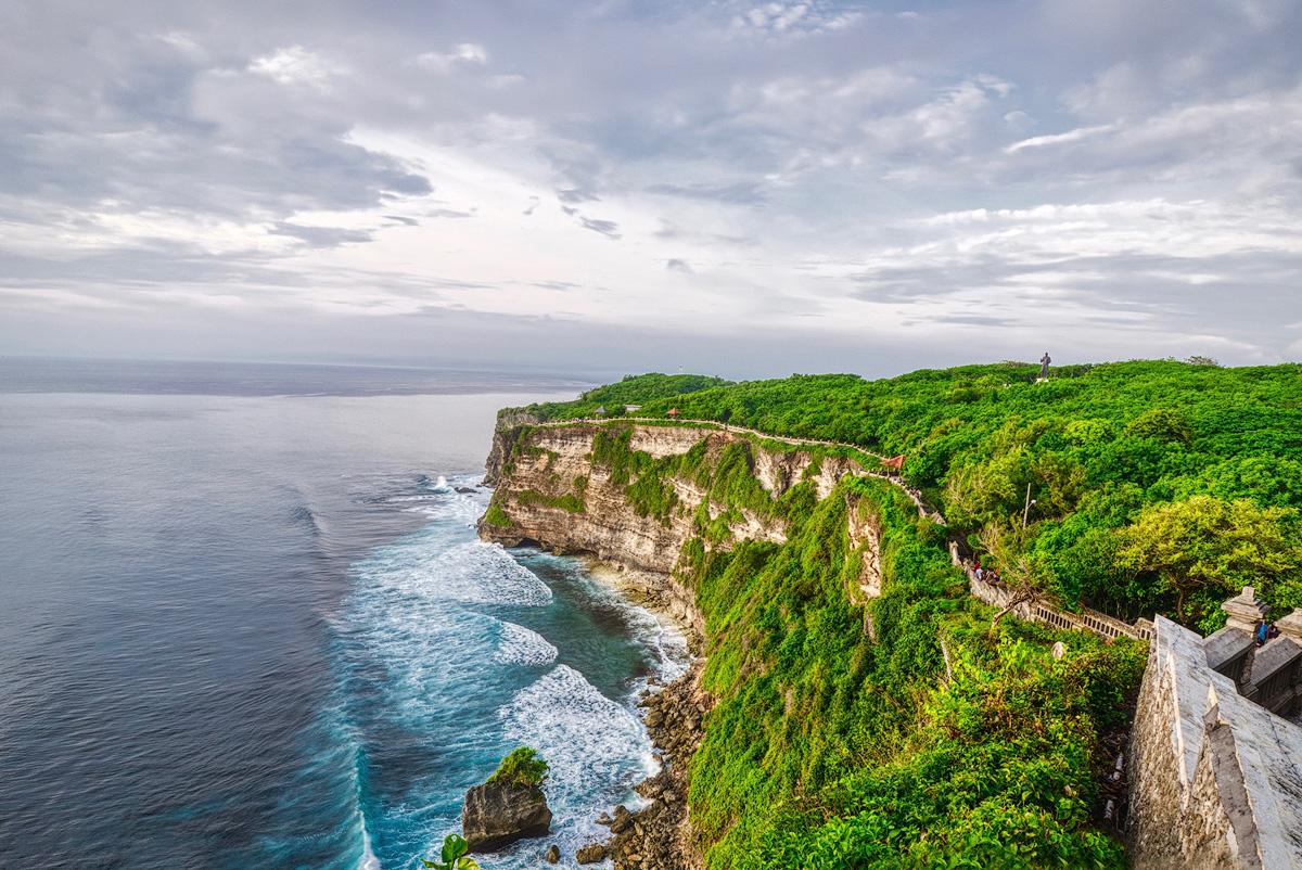 INDONESIA © Brandin Cooks