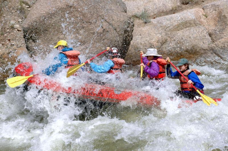 river_raft_2.jpg