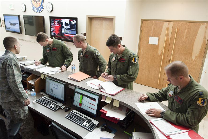 Army_desk_job_image_search_121031-F-NK166-750.jpg