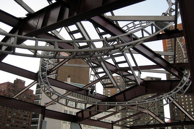 Alice-Aycock-East-River-Roundup-Aluminum-Helix-1995-60th-Street-York-Avenue-NYC-Interior-Today.jpg