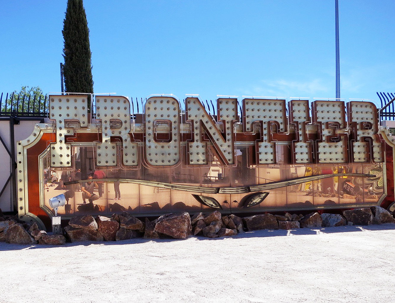 aiga-eye-on-design-las-vegas-neon-museum-boneyard-frontier-sign.jpg