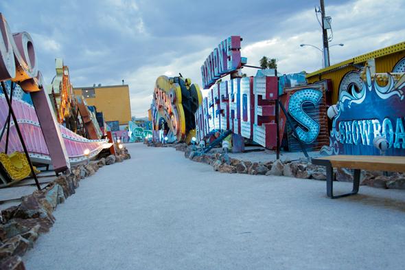 Neon-Boneyard-Museum-In-Las-Vegas-Nevada05.jpg
