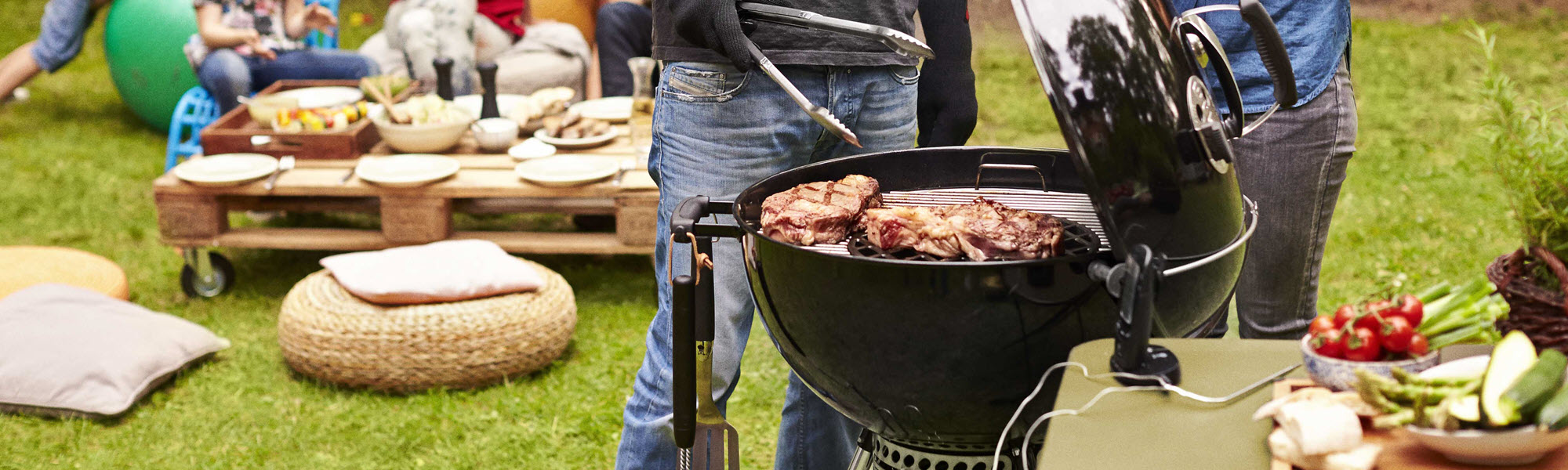 Weber Charcoal Kettle Range Feature - the outdoor chef