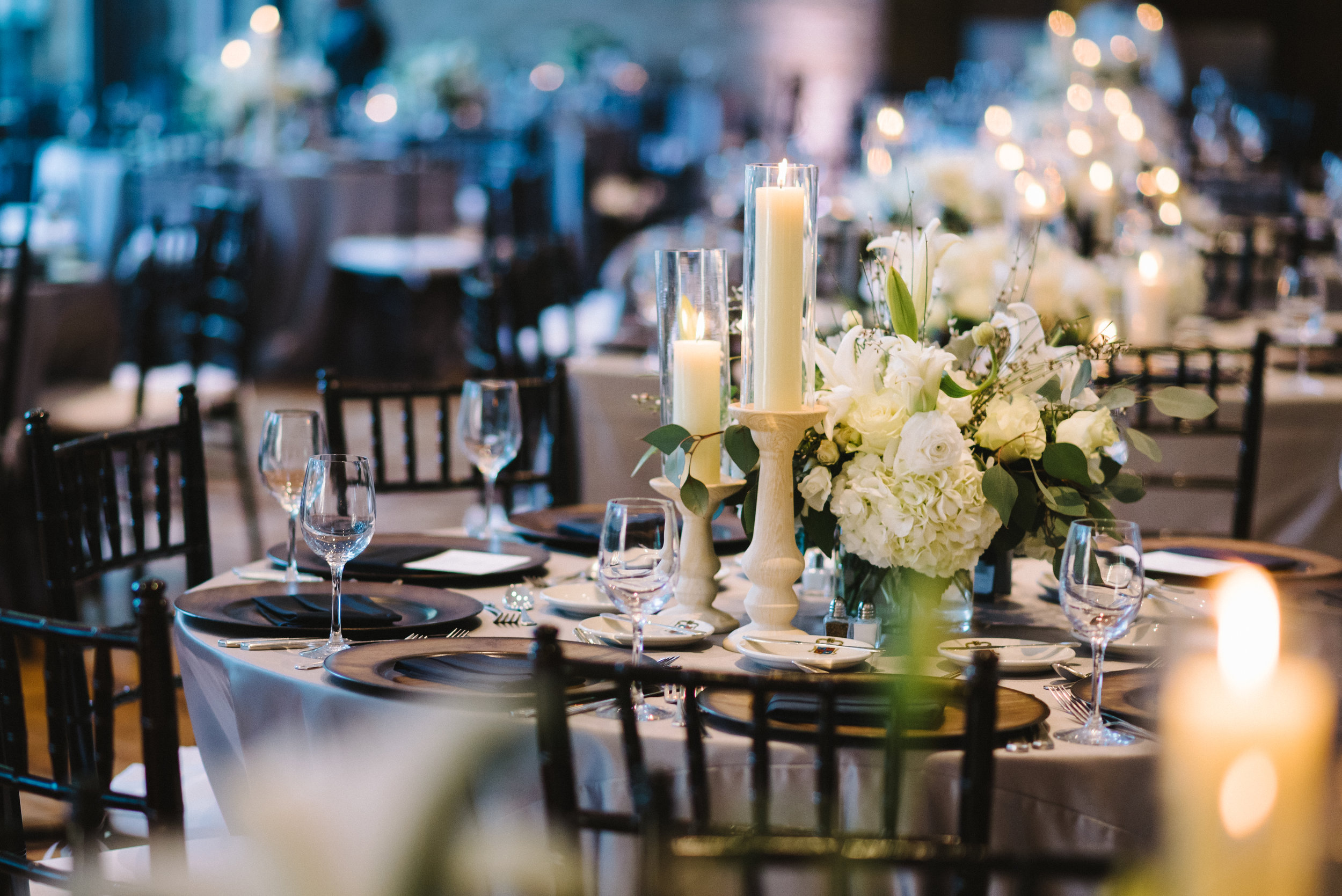 15 houston luxury wedding planning cohen house guest table.JPG