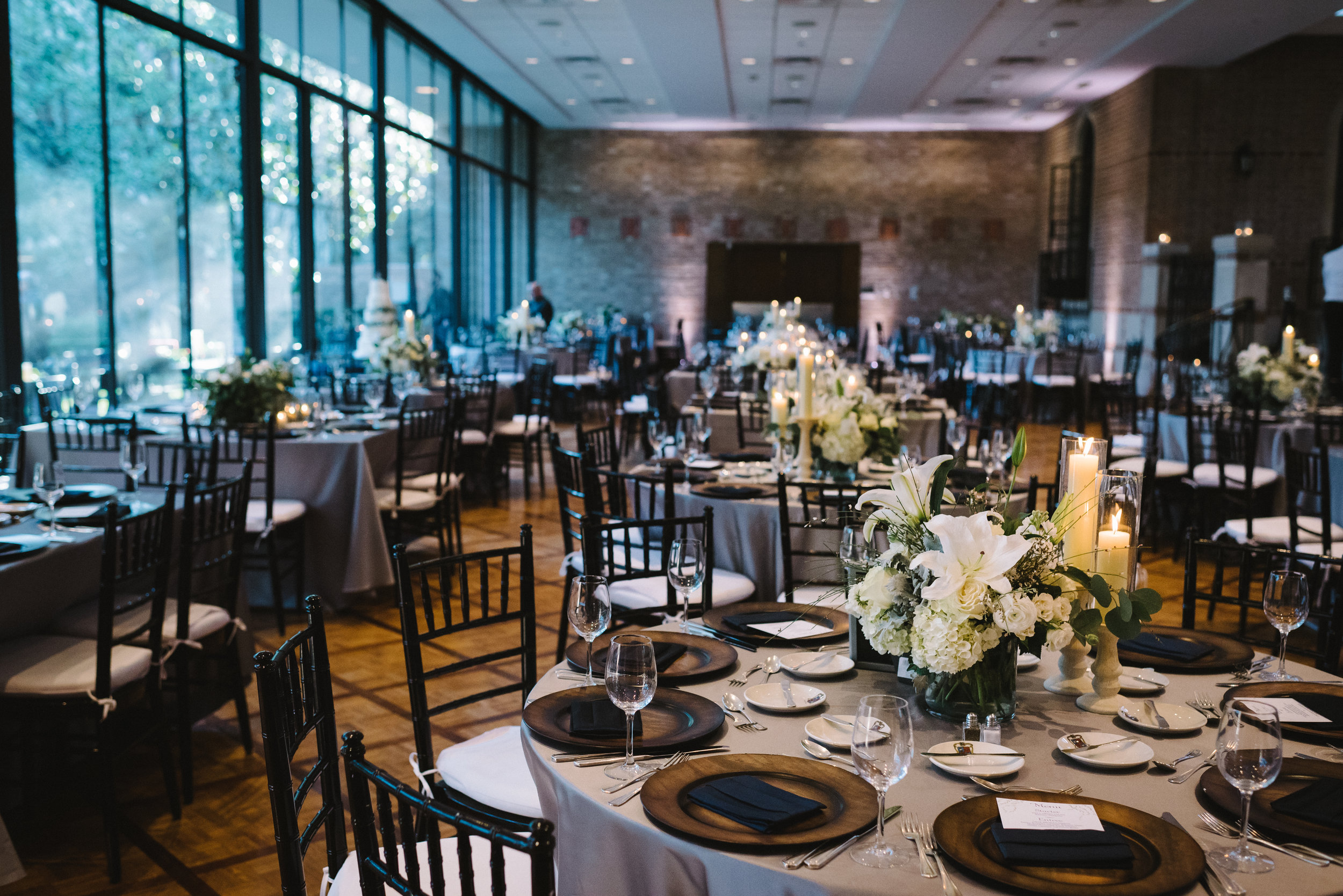 14  houston luxury wedding planning cohen house guest table.JPG