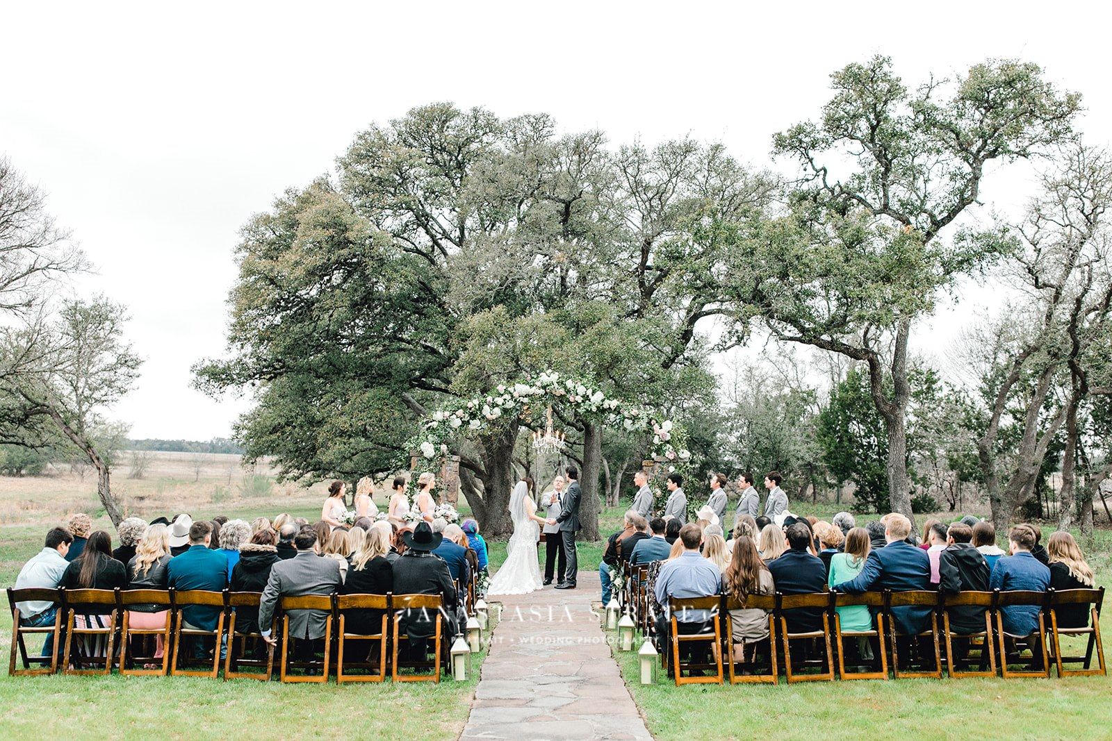outdoor wedding ceremony in Texas