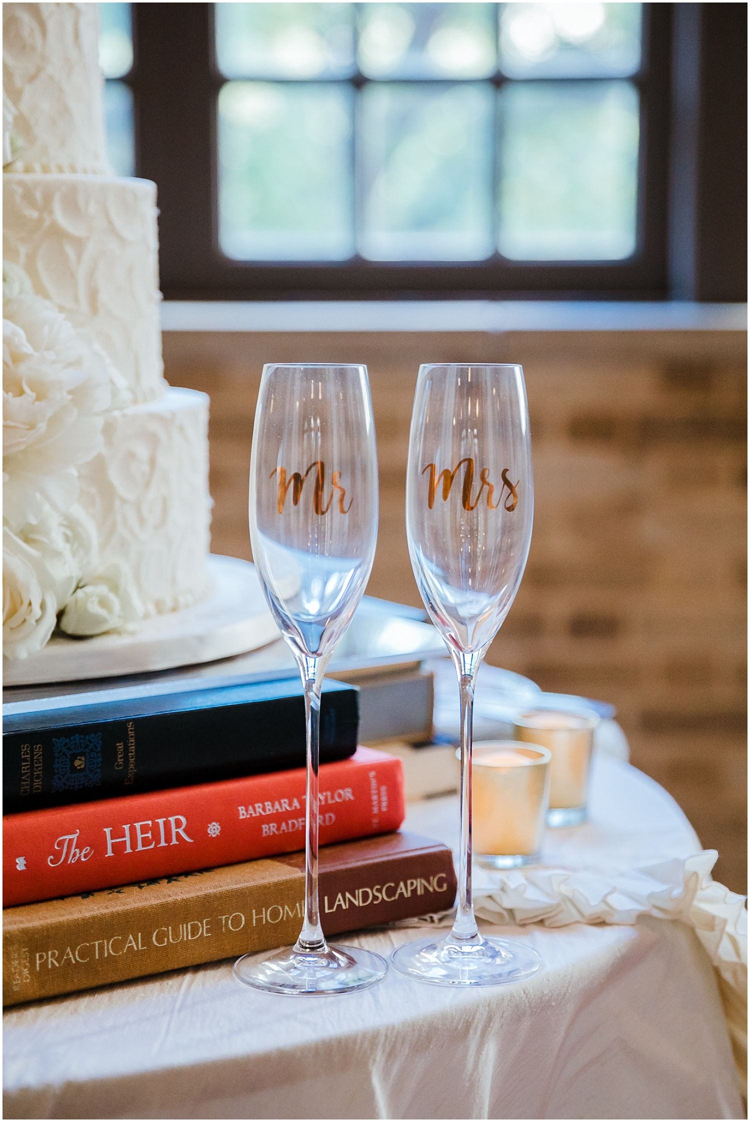 champagne glasses for the bride and groom
