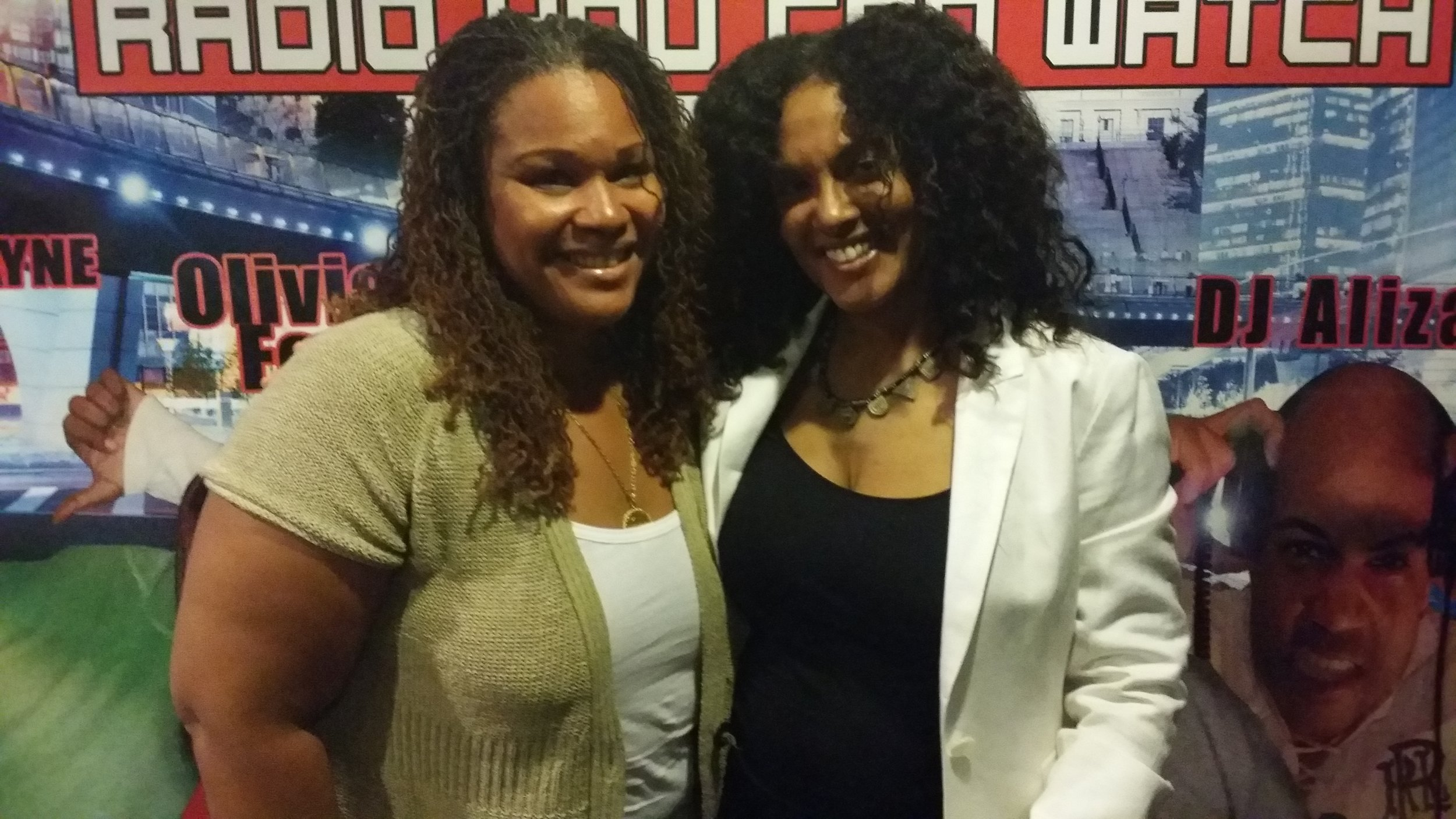 "Wendy and Nia ""The Songbird"" Simmons on the Indie Voice show"
