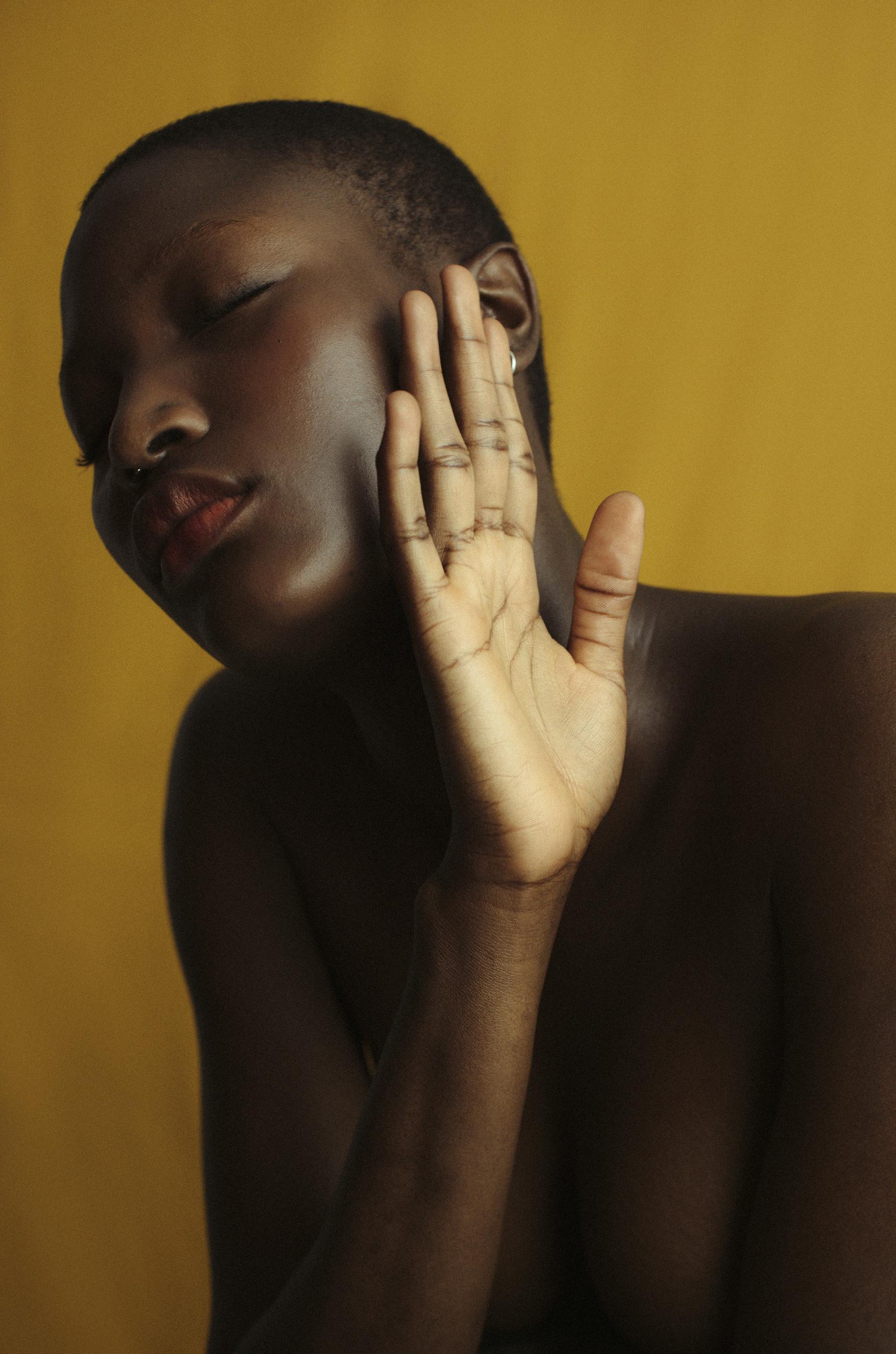 Mopesola @ Nii Agency.    @iam__mo
