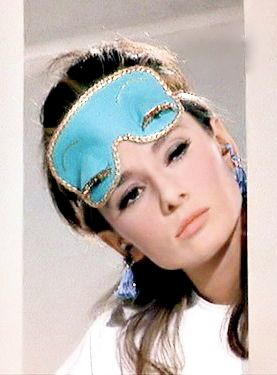 Audrey Hepburn as Holly Golightly in the film Breakfast at Tiffany's.