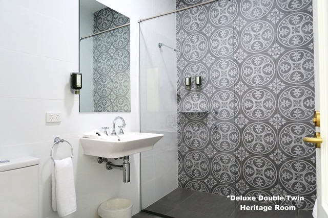 heritage room bath tathra hotel IMG_9503 640.jpg