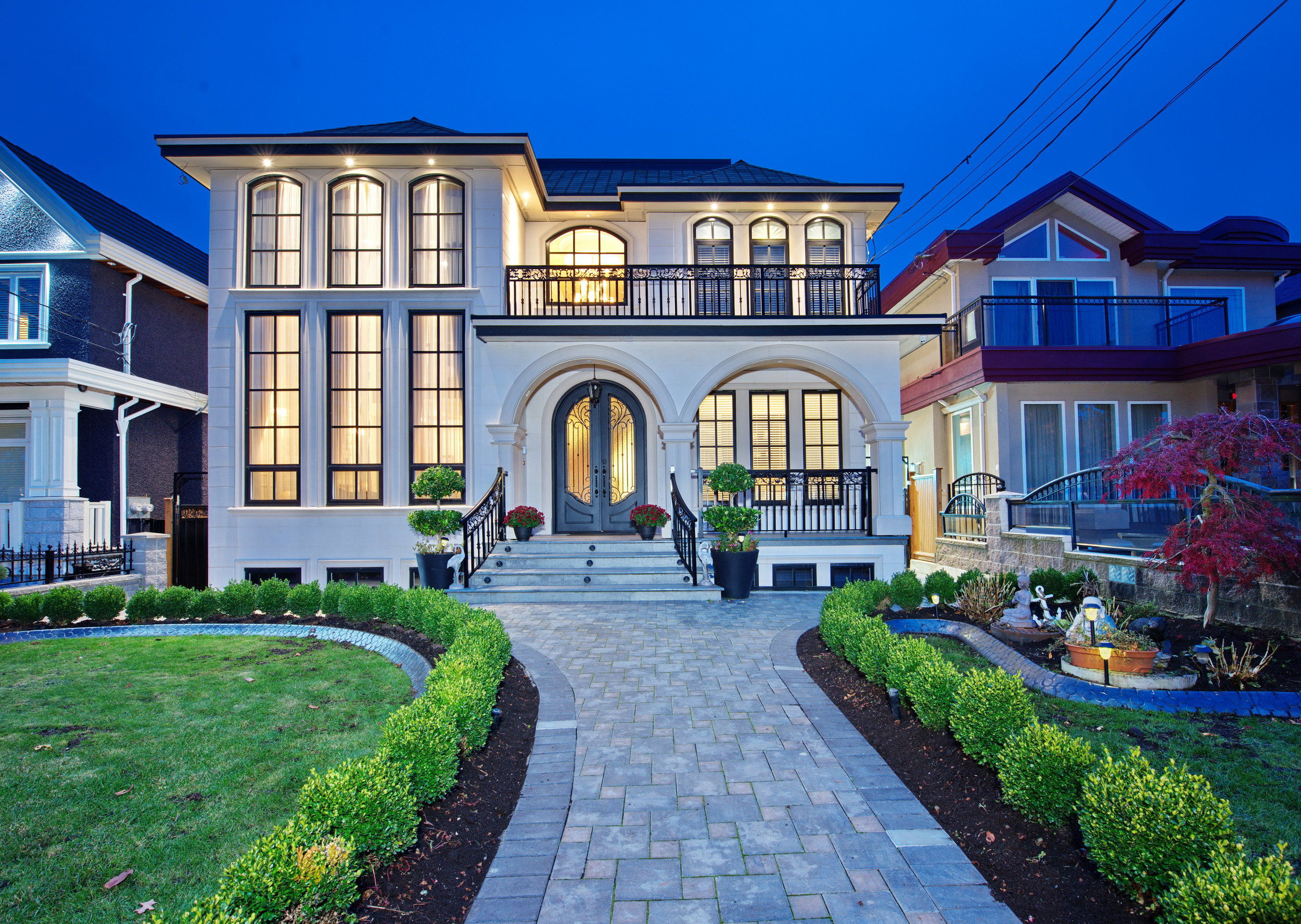 952 East 53rd Ave. - 4 Bed/6 Bath Custom HomeVancouver, BC3,242 sq. ft.