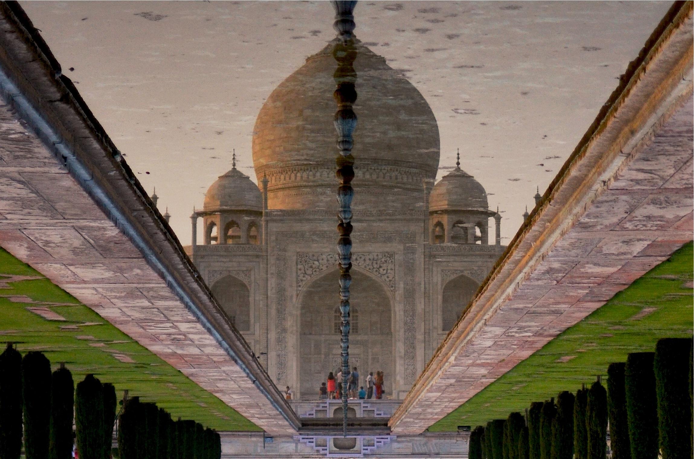 india_taj_reflection.jpg