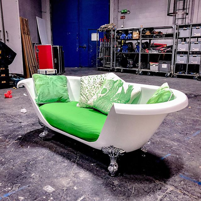 When is a bath not a bath? When you make it into a sofa. Love a prop build and this one done by @nanstudios for our #campaign for @victorianplumbinguk was amazing. #sofabath #bathsofa #producer #director #freelanceproducer #freelancedirector #advertising #propbuild #setlife