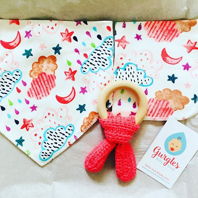 Baby girl gift 🎁 box delivered last week and get well received indeed. X x summer bib with matching wash cloth and organic teether.  @gurglesbabyshop #thankyougift #babyshowergift #babygirlgift #organicteether #gurglesbabyshop #babywashcloth #babywipes #moonandstars #cloudsandrainbows #luckymummy #luckybaby #madeinnorwichuk #madeinnorfolk #norwichlife