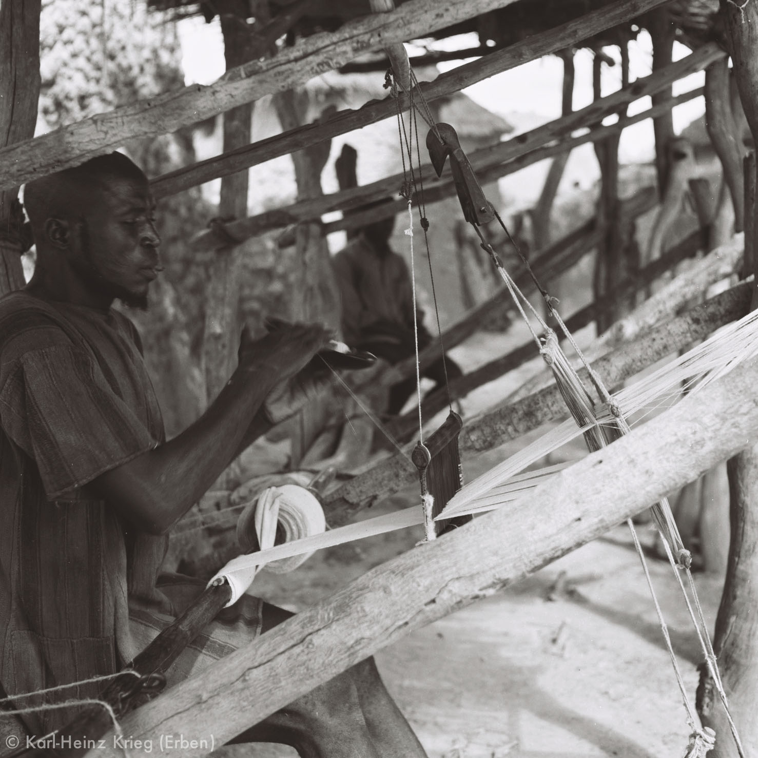 Senufo-Weber. Foto: Karl-Heinz Krieg, Zekaha (Region von Boundiali, Côte d'Ivoire), 1974