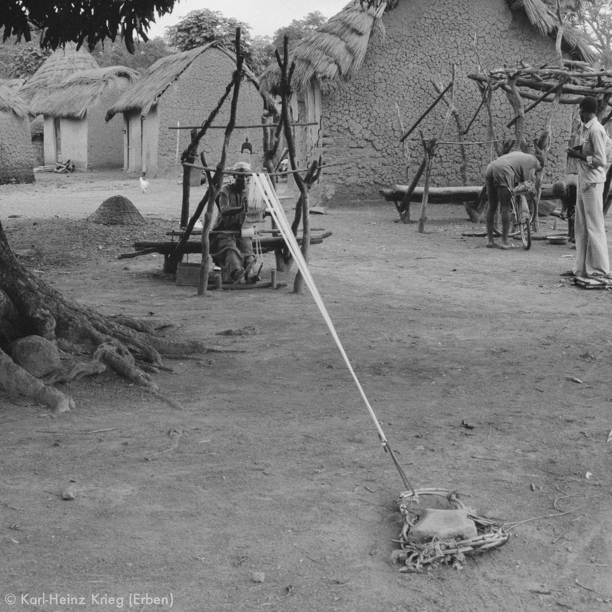 Senufo-Webstuhl. Foto: Karl-Heinz Krieg, Ponokaha (Region von Boundiali, Côte d'Ivoire), 1976