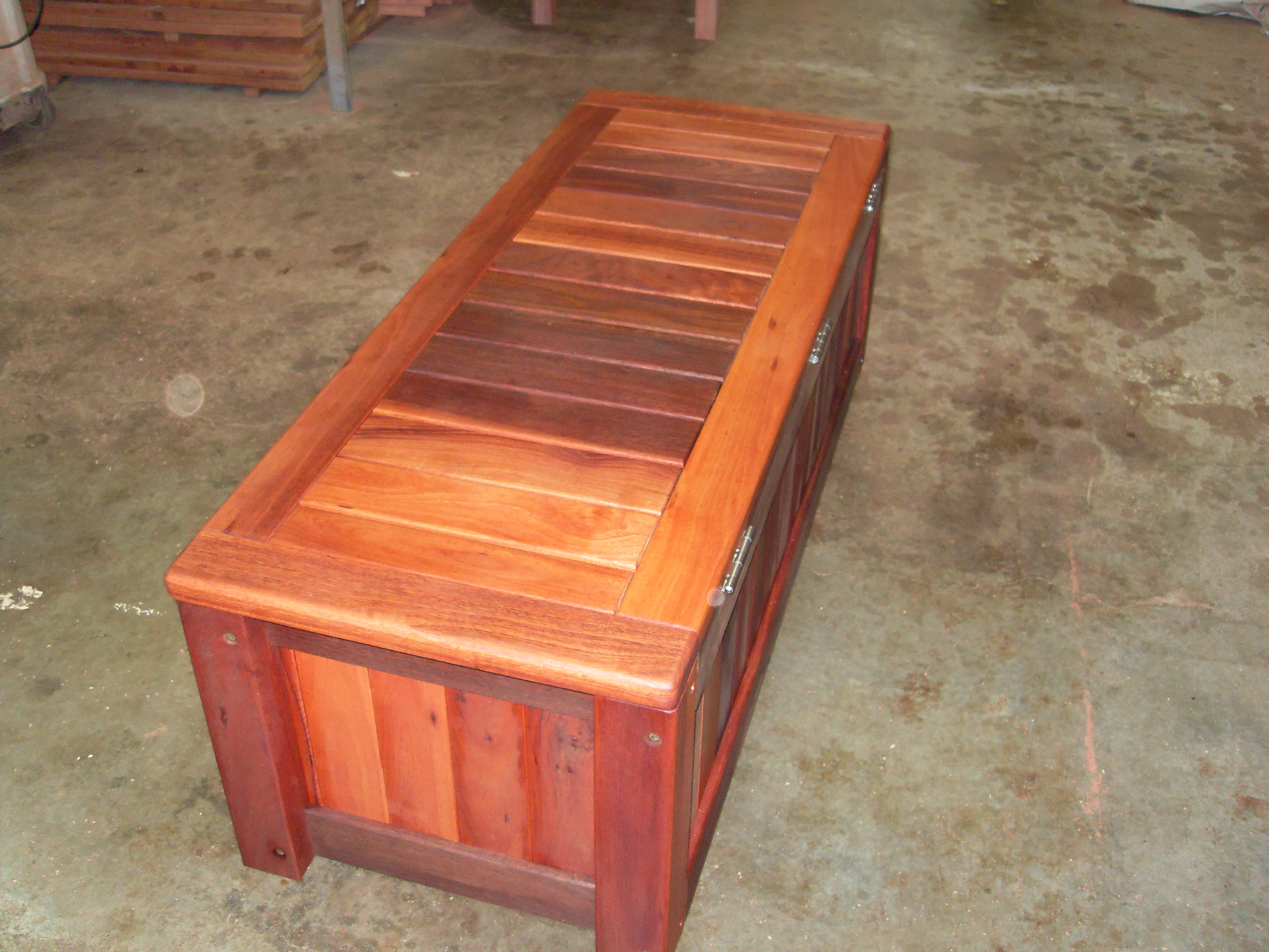 c25 Outdoor storage bench heavy duty 3.JPG