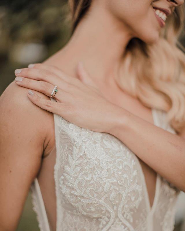 A wedding ring's a symbol of a love that never ends. #GinaMurilloBridalCouture #GinaMurillo #WeddingRing #RealBride #NoviaReal