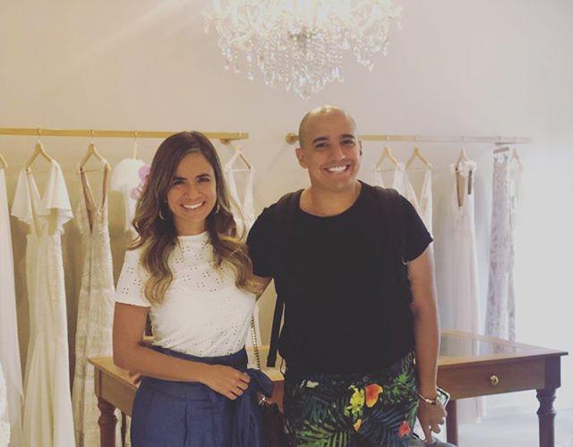 ¡Feliz con nuestra visita de hoy en la tienda de Cali! ¡Los más tesos @jimenajaramilloplanners y @bodasdavidbetancur !! #GinaMurilloBridalCouture #BridalCouture #Cali