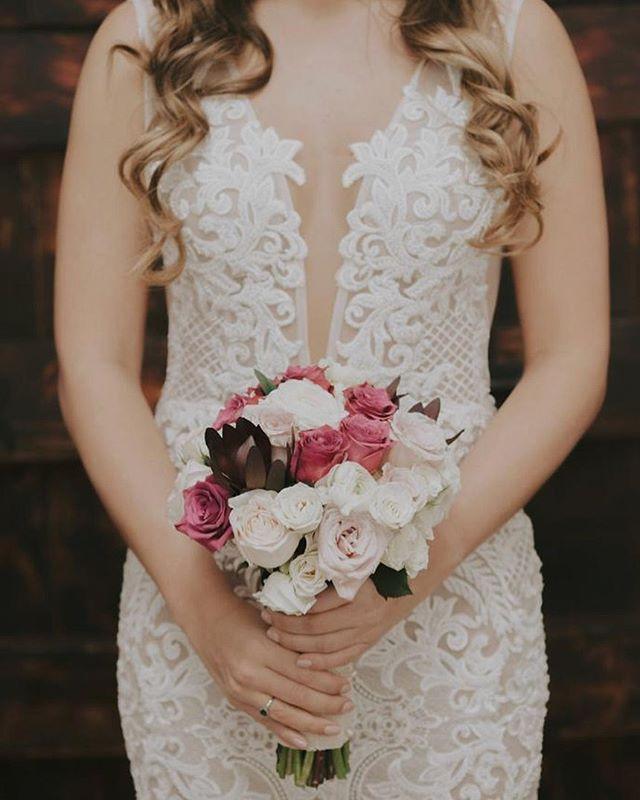 Un ramo de flores lleno de colores, texturas, alegrías e ilusiones. #GinaMurilloBridalCouture #BridalCouture #NoviaReal #RealBride