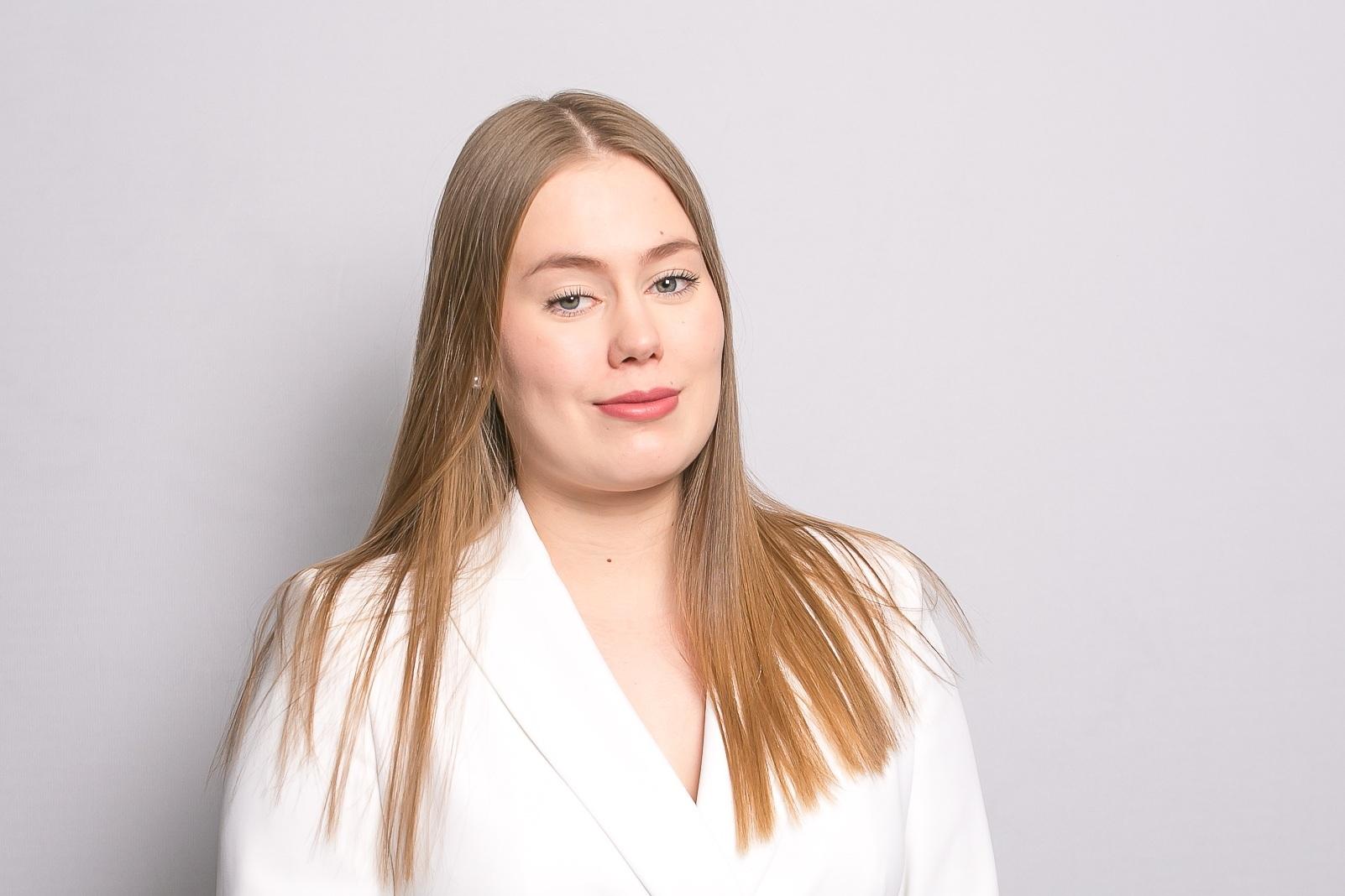 Noora Mäkelä  Sales Assistant  noora.makela@springvest.fi