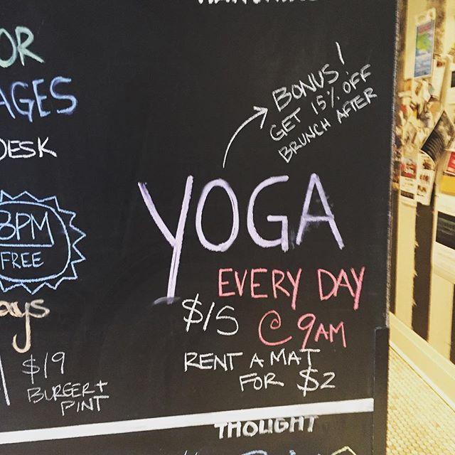 #yogaeverydamnday at the #drakebythelake , discount on brunch too 🙌🏻🙏 @drakedevonshire #pec #pecyoga #countyup
