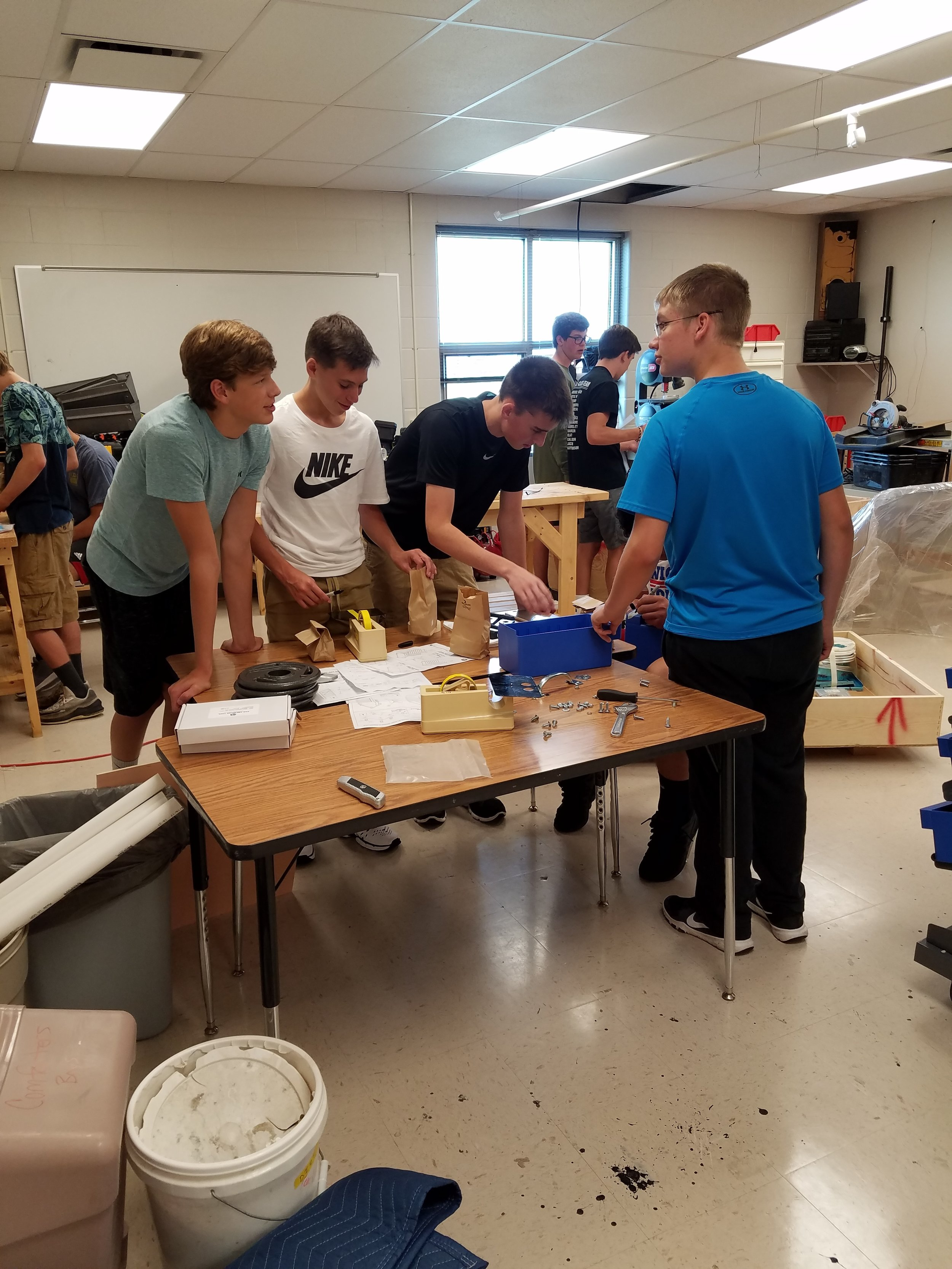 Students work together on engineering project.