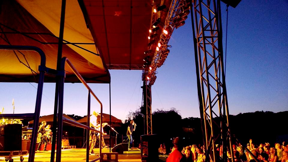 Huey Lewis and the news spyglass winery edited-min.jpg