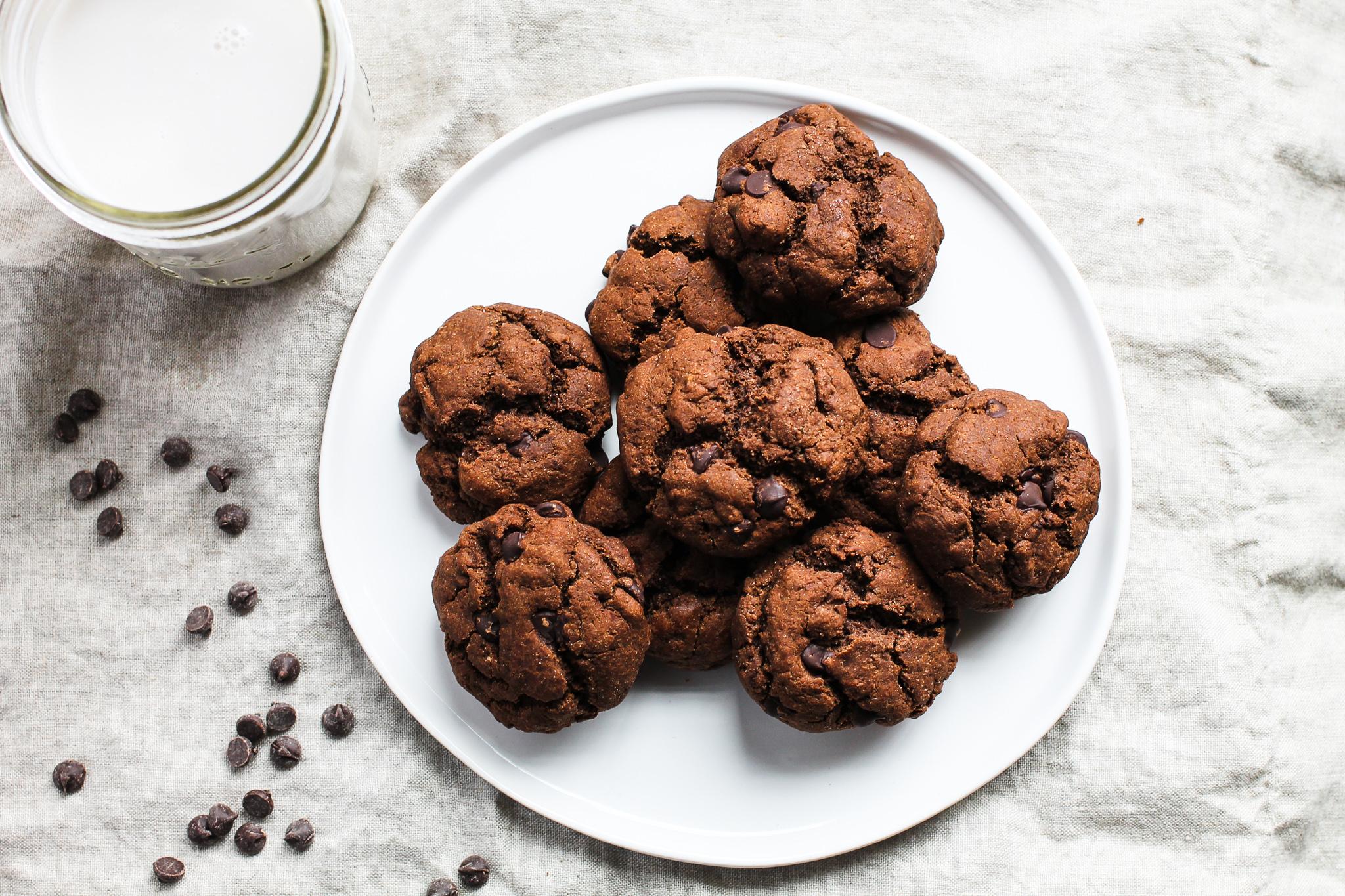 healthy double chocolate chip cookies.jpg