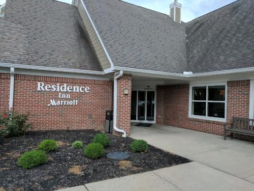 The entrance to Residence Inn Columbus.