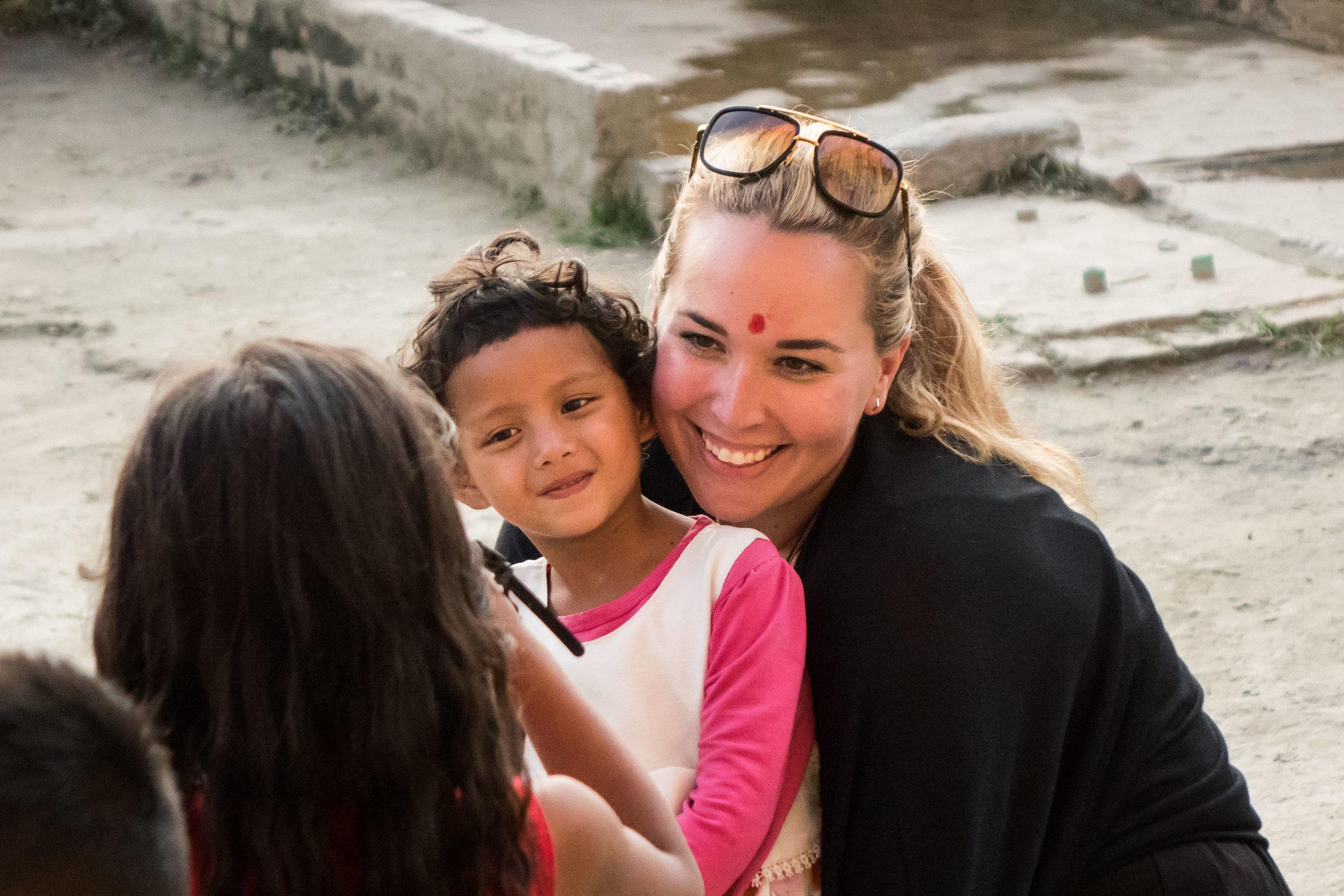 Nepal 2017 Seto Lg 1607.jpg