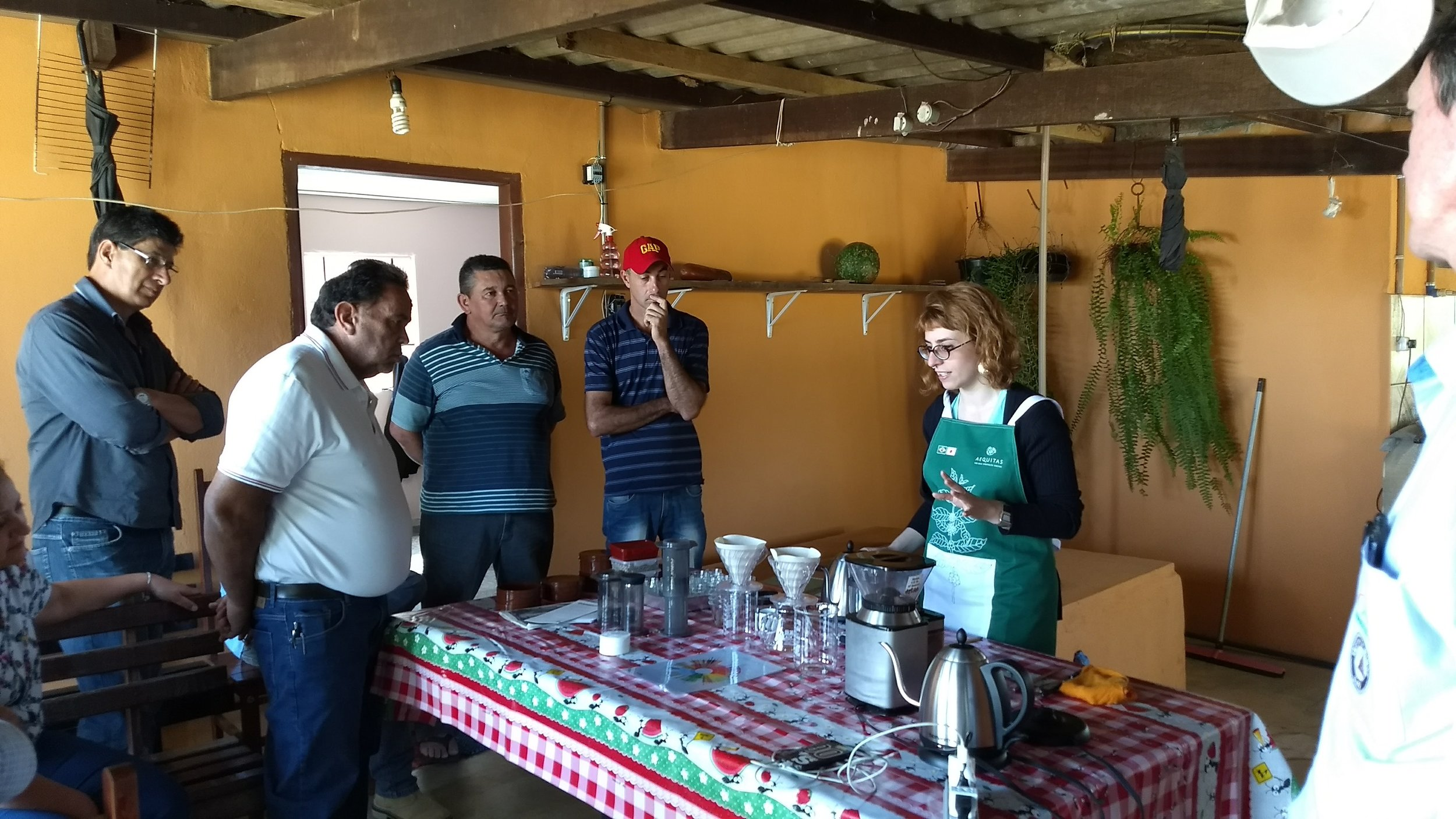 Brewing workshop at Mr. Rafael's (second on the right) in Agrovila.