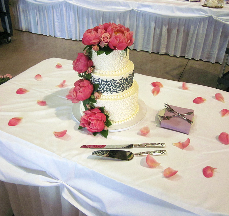 custom-wedding-cake-03.jpg